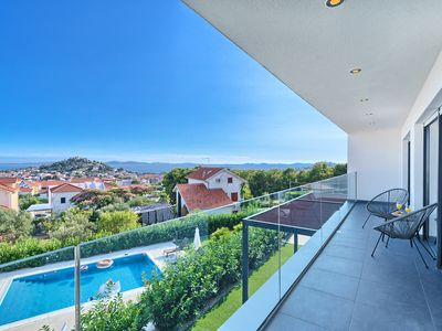 Photo for Modern 4 bedroom villa near the beach with pool and jacuzzi