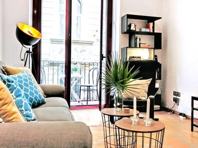 Photo for La Rambla spacious 3BR monthly rental - Parsifal