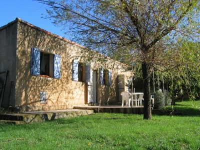 Photo for CléVacances quiet house with pool at the foot of the Montagne Sainte Victoire