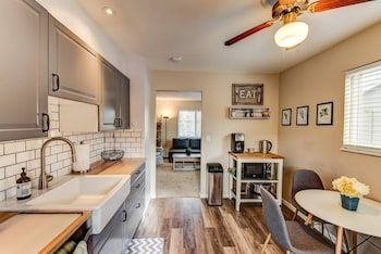 Photo for 2BR Hikers Dream Red Rocks Dog-friendly!