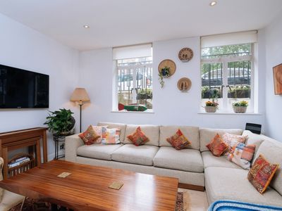 Photo for 2 Bedroom Flat on Leafy Georgian Garden Square