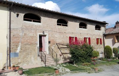 Photo for Typical dwelling in the heart of the Tuscany between FLORENCE and SIENA