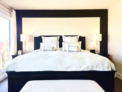 King master suite with a heavenly bed and fine linens