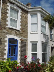 Photo for Beautiful Victorian town house with stunning ocean views next to Fistral beach
