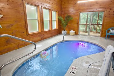 CR1 ★ Huge Theater ★ Indoor/Outdoor Pools ★ TV Wall ★ Hot Tub ★ Game Room ★  - Sevierville