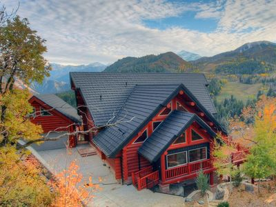 Photo for Lookout Pointe - Luxury Mountain Lodge - Panoramic Mountain Views