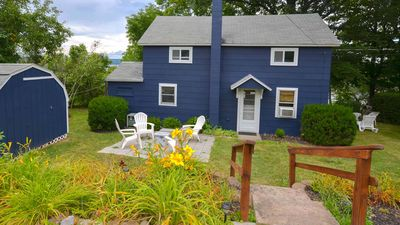 Photo for Classic Cottage - Minutes from 2 wine trails. Kayaks included!