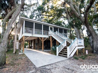 Photo for Geechee Girl - Screened Porch; Private Location & Easy Beach Access