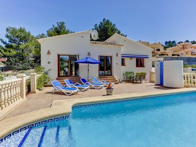 Photo for Lovely villa for 6 persons, located in Cape, private pool, beach 4 km.