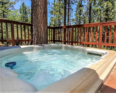 Photo for ~Slice Of Paradise~Central Fox Farm Chalet~Private Hot Tub~Pets Welcome~