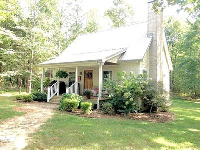 Photo for ⭐️Unique, private, cozy⭐️3 mi to Cookeville -King bed, acres of woods