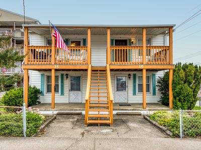 Photo for Cozy, dog-friendly condo w/ a furnished balcony - just blocks from the beach
