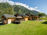 Fantastic Chalet in a Great Location!