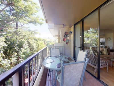 Photo for NEW LISTING! Ocean view condo w/lanai & shared pool/hot tub - steps to beach!
