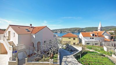 Photo for 1BR Apartment Vacation Rental in Sumartin, Island Brac
