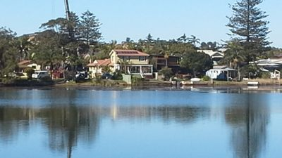 Narrabeen Lake House and Beach