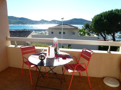 Photo for APART. F2- BEAUTIFUL SEA VIEW - Terrace - Wifi - Beaches with feet - All trade.