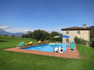 Photo for Very large house, surrounded by green, sunny, whit a private pool.