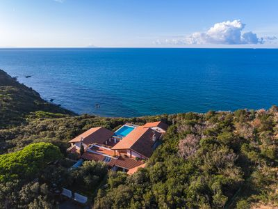 Photo for Luxury, swimming pool, chef, tennis, air conditioning, private beach, families