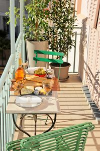 Photo for French Chic-newly renovated  (Sept 2017) with air con and sunny balcony
