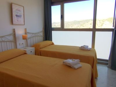Photo for Apartment in Benidorm with Internet, Pool, Air conditioning, Parking (680597)