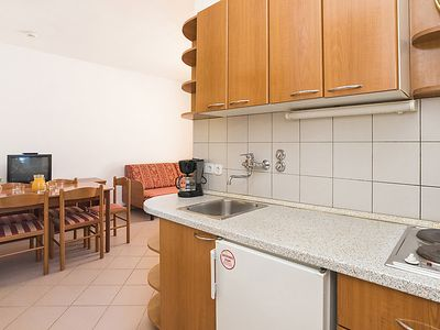 Photo for Apartment Polynesia in Umag - 5 persons, 1 bedrooms