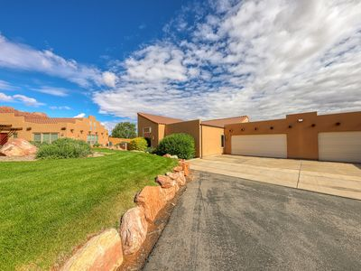 Photo for Colorful condo w/ shared pool & hot tub - close to golf & Arches National Park