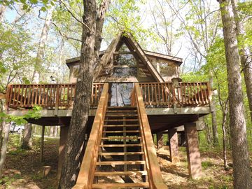 Treehouse Chalet-  Modern, Family Friendly Chalet On Lake- Lots Of Amenities!