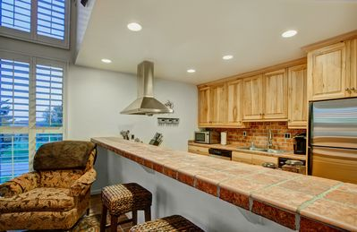 Fully-equipped, stainless steel appliances, pots & pans, dishes, utensils, glass
