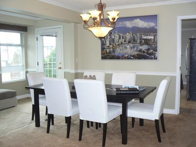 Dining Room has a large table and extra leaf for great for entertaining.