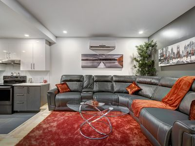 Photo for Majestic 3 Bedroom Condo in The Heart Of MTL on Plateau Mont-Royal / Rosemont