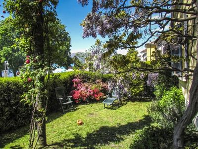 Photo for Large 9-room apartment directly on the beautiful lakeside promenade