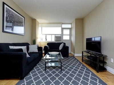 Photo for 2 Bed, 1 Bath Suite located at Yonge & Eglinton #1119