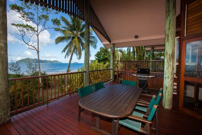 Luna Mission - Amazing Views to Coral Sea and Dunk Island