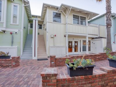 Photo for 1 Bedroom Condo W/outdoor Ocean View Bbq Kitchen - Steps To Beach & Town