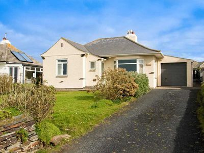 Photo for Great value bungalow in stunning beachfront location in north Cornwall, just south of Bude