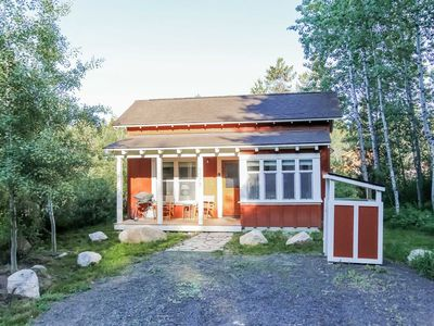 Photo for Family friendly bungalow, fully renovated with BBQ, Fireplace, WiFi, Laundry in McCall
