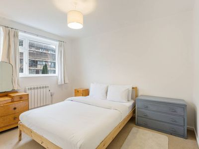 Photo for Spacious 3Bed, 1.5Bath apt w/Garden in Hammersmith