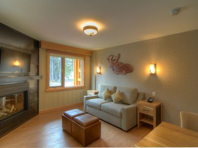 Photo for Rockies Room, 1 Minute from the Centre | Rooftop Hot Pools On-Site!