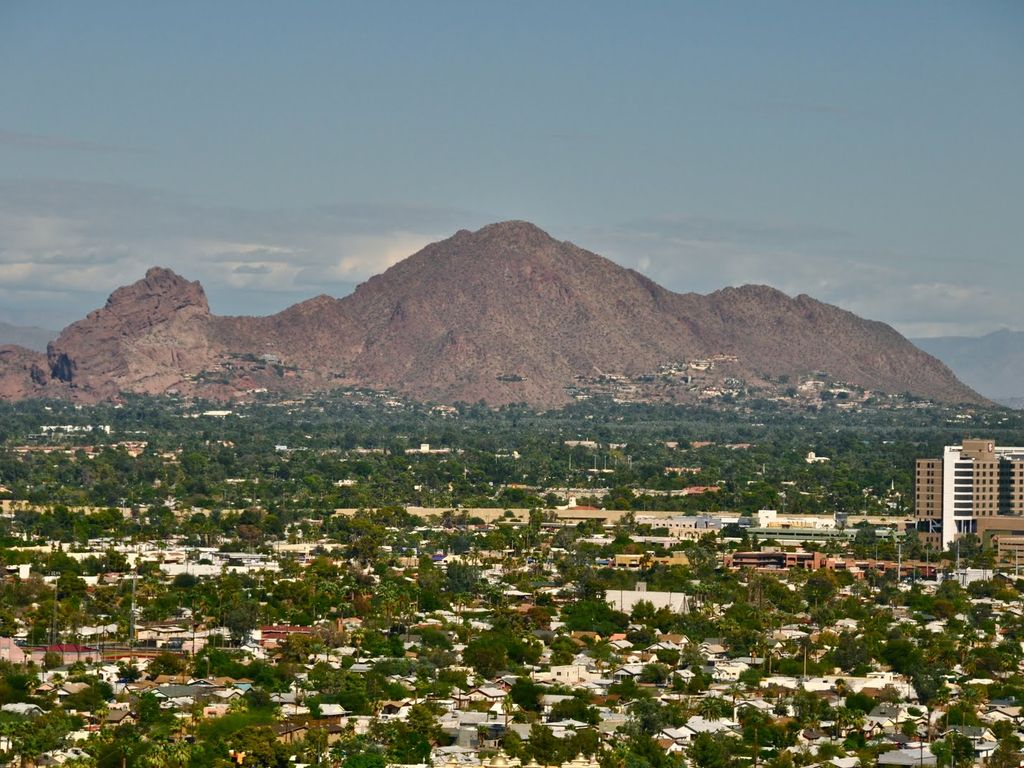 SPRING TRAINING-BEAUTIFUL 2 BDRM CONDO-STEPS FROM OLD TOWN SCOTTSDALE AZ