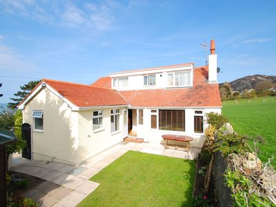 Photo for House in Penmaenmawr with Internet, Washing machine, Balcony, Terrace (1025031)
