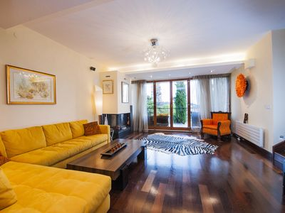 Photo for Luxury 2 bedroom Apartment in City center, 1st floor, garage