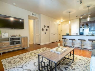 Photo for LUXURIOUS BUSINESS & FAMILY MONTROSE CONDO - ⭐⭐⭐⭐⭐