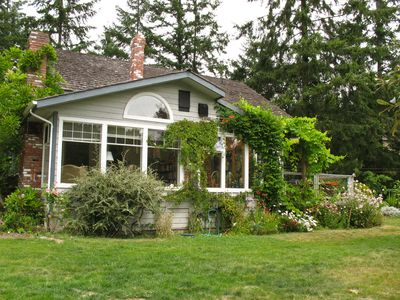 Photo for Ideal Family or Small Group Oceanside Holiday Home on Salt Spring Island