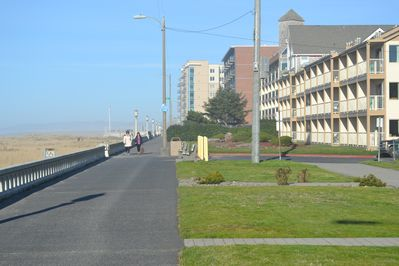 Just a few blocks South of Seaside's famed Turnaround on the Promenade