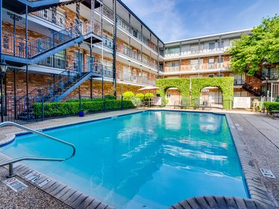 Photo for NEW LISTING! Stunning condo with shared pool - easy access to city attractions!