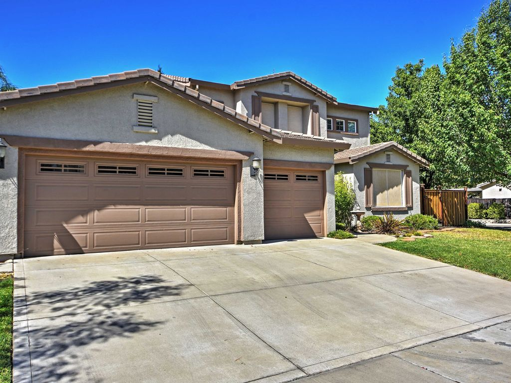 5br elk grove house w private pool elk grove for Grove house