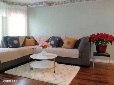 Photo for Situated in Richmond Hill, 1 km from Upper Yonge Place,
