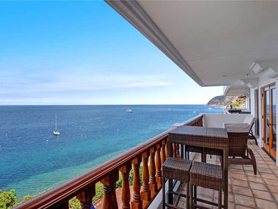 Photo for Luxurious Villa on Bluff's Edge, 6 Steps, Private Balcony, **VIEWS**