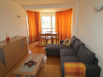 Photo for Apartment w / 4 people, next to the metro station Olaias (airport line)